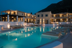 Hotel Crystal Waters 4*